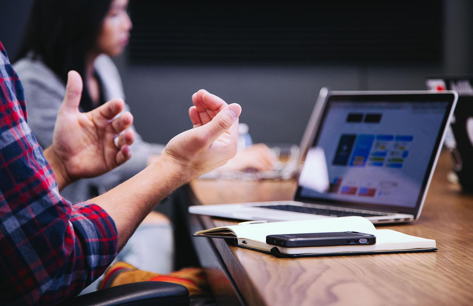 Eine Agenda macht Meetings strukturierter