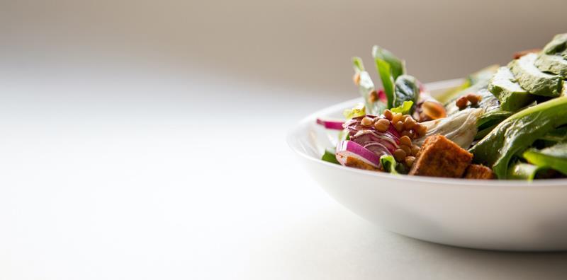 Piatto con carne e verdure